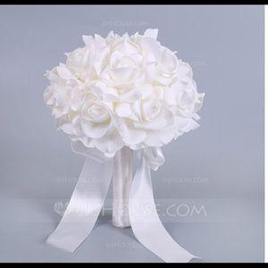 JJ's House White bridesmaid bouquet